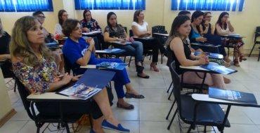 Inclusão: Encontro de estudos acontece na Escola Fátima