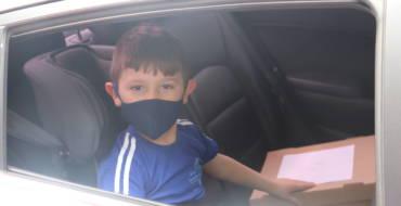 Drive-Thru da Educação Infantil | Muito carinho e emoção